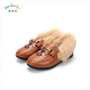 2018 autumn and winter new bees fur girl cotton shoes PU princess shoes cover large children's shoes 26-36 yards
