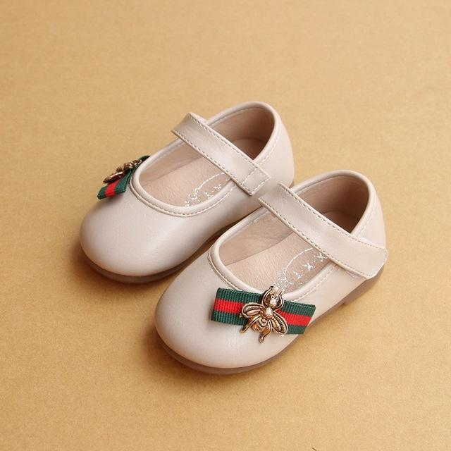 5aa92a63c84c Autumn New Baby Girl Casual Flat Shoes Ribbon Bee Toddler Girls Shoes 1-2  Years